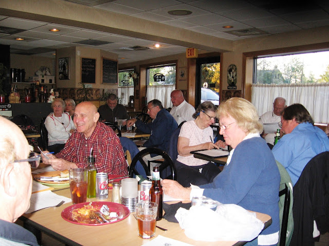 FL-1607 Members at the Brick Oven Restaurant
