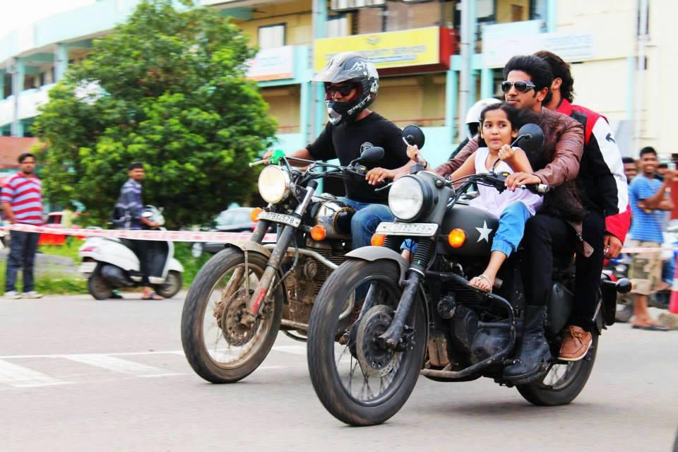 Bike Ride Without Helmet video watch neelakasham pachakadal chuvannaNeelakasham Pachakadal Chuvanna Bhoomi Only Bikes