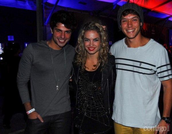 1d8485cc89d92 Lua Blanco e Arthur Aguiar acompanham show do Maroon 5 em São Paulo ...