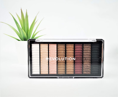 Revolution pro paleta de sombras CAPTIVATE