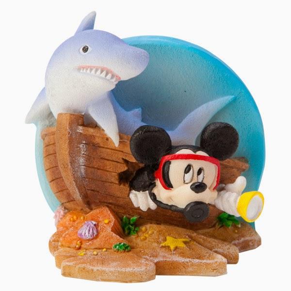 Susan 39 s disney family petsmart has great ornaments to for Petsmart fish tank decorations