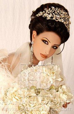 beautiful arabic makeup mehndi-disigns