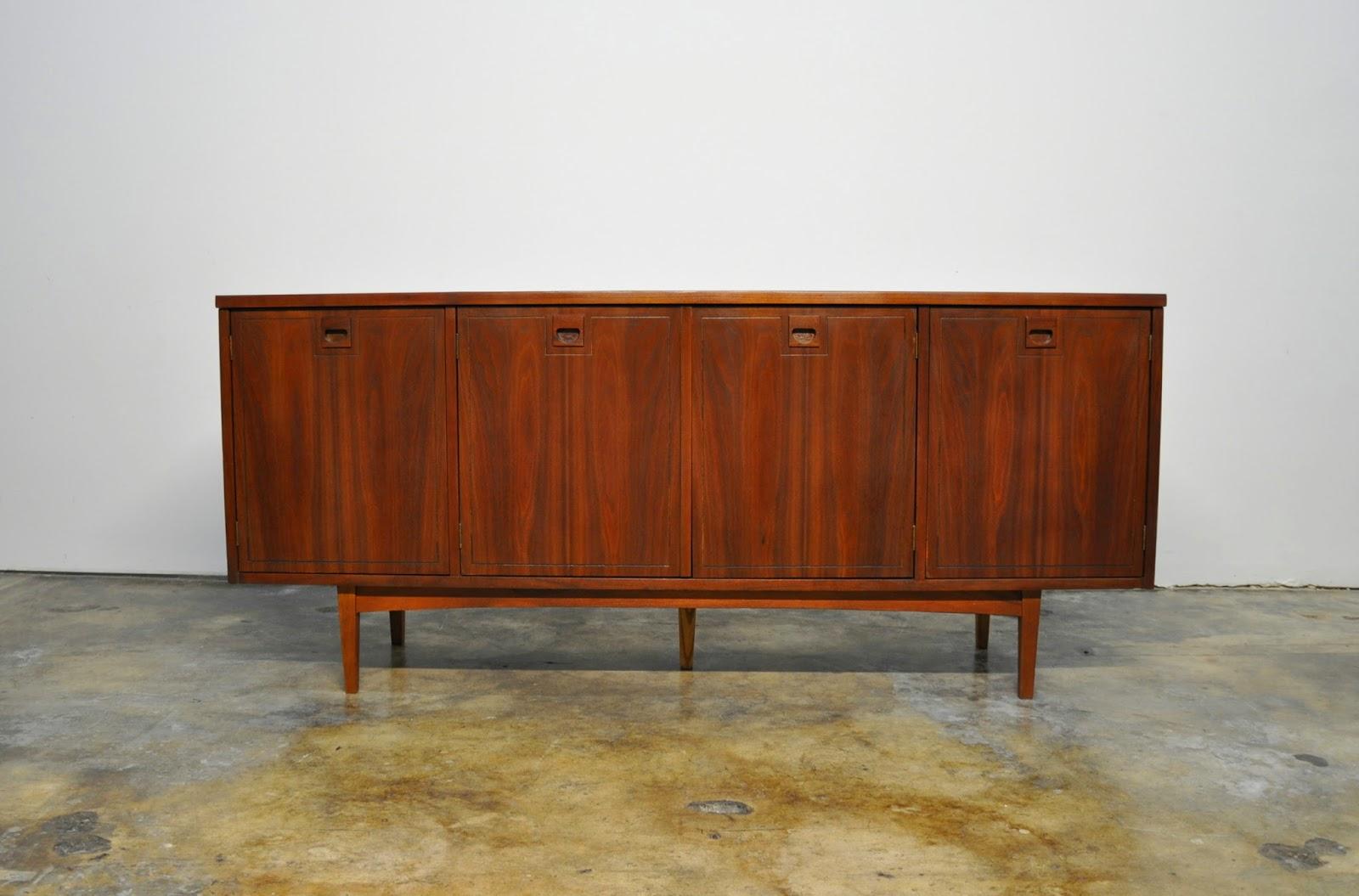 Select modern stanley furniture credenza bar room - Credenza madia ...