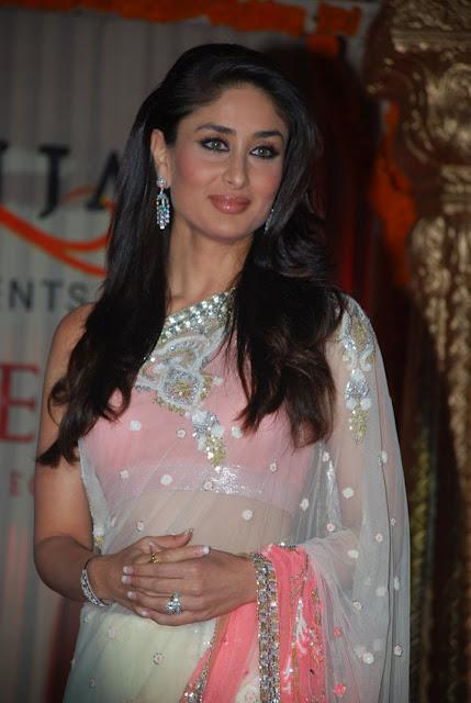 Kareena Kapoor Navel Show Photos In Pink Saree