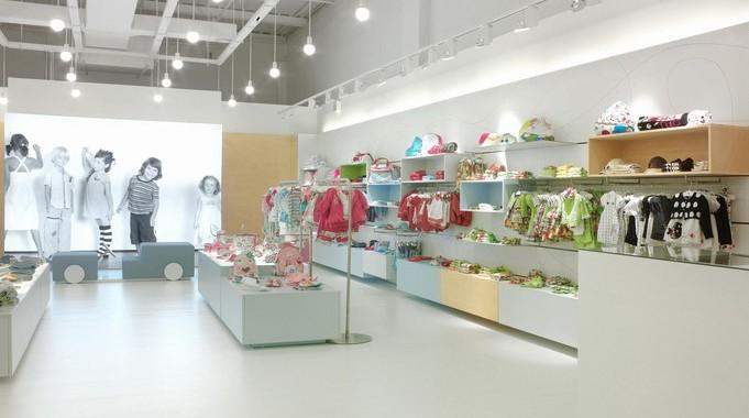 159df9a3e Como decorar uma loja de roupas infantis - Del Carmen by Sarruc