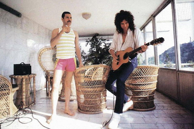 24 fascinating vintage photographs of freddie mercury in