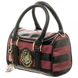 http://www.harrypottershop.com/product/hogwarts+crest+mini+satchel+hpbdbag04.do