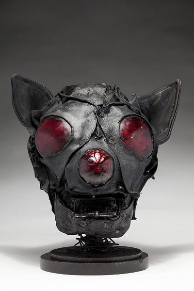 "Ronald Gonzalez - ""Bat"" - 2018 | imagenes obras de arte contemporaneo tristes, depresion, esculturas chidas, creative emotional sad art figurative pictures, cool stuff, deep feelings"