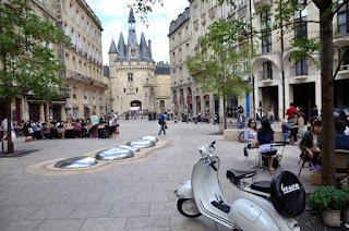 place du palais-Bordeaux-Comenfrance-école de français pour étrangers-FLE-french school for foreigners