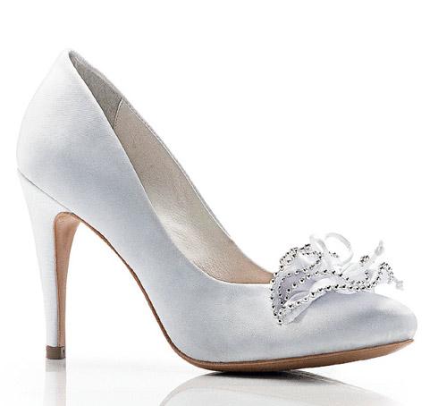 98c0e82f9 Nossa eu tenho todo mês!! rs E, claro, com o casamento a indecisão em  escolher os sapatos do B-Day tinha que estar presente!!