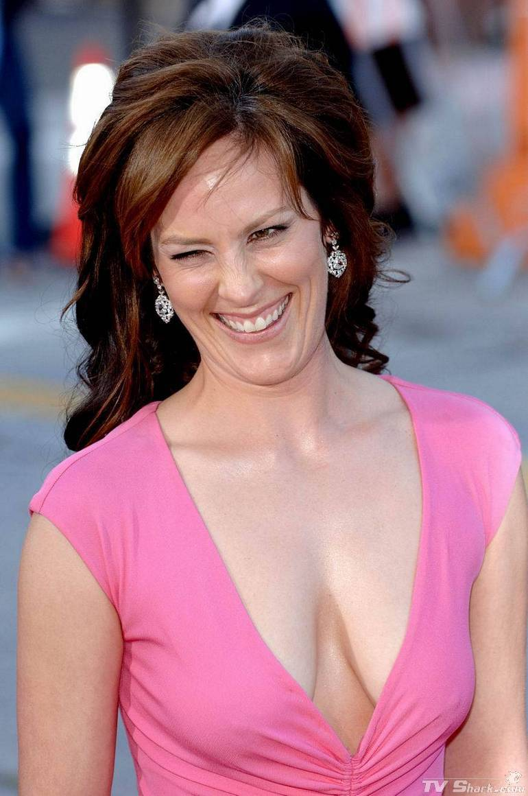 Best Cleavages in The World: Pink Cleavage