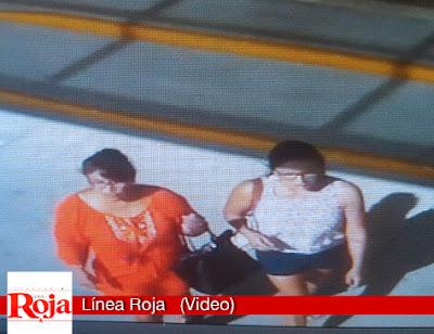 Video capta a dos mujeres carteristas en acción