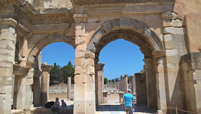Efes Antik Kenti Hadrian Tapınağı