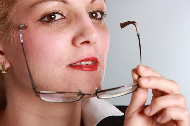 कंप्यूटर के प्रयोग में आँखों की देखभाल भी जरुरी है-Eye Care is Also needed in Use of Computer