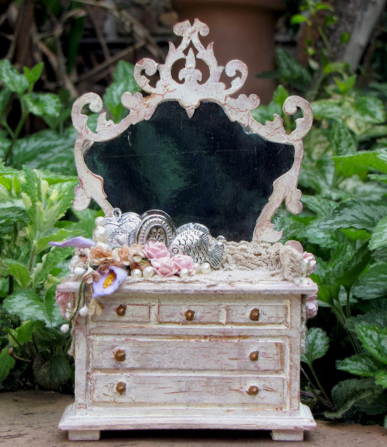 Vaisselier Shabby Chic: Between The Sheets: Shabby Chic Dresser / Zeus And Zoe