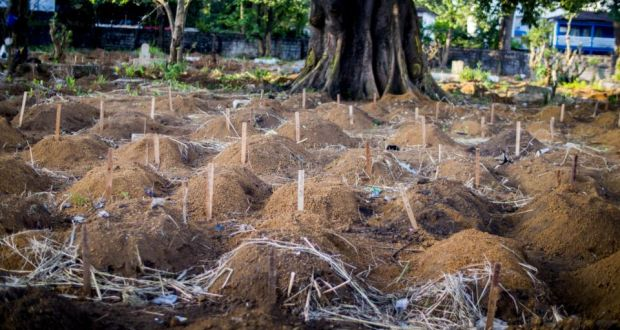 A sea of Ebola victims buried at the Waterloo cemetery in Sierra Leone