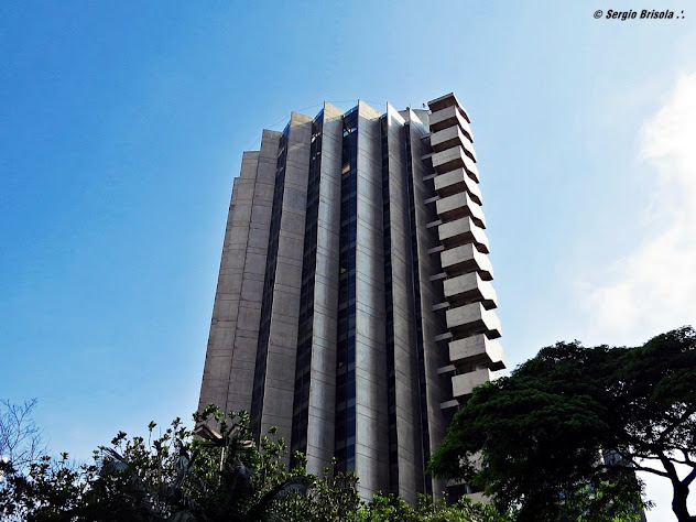 Vista ampla do Fórum Ministro Jarbas Nobre - Edifício Torre do Espigão