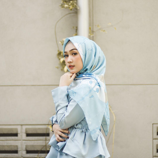Collection of The Most Beautiful Hijab Girl Wallpapers from Selebgram 2018
