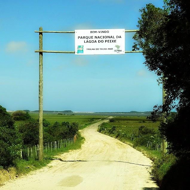 Entrada do Parque Nacional da Lagoa do Peixe, em Tavares