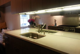 Glass Backsplash for kitchen , it's a new way of designing, building and decorating specific areas of your home especially in the kitchen.