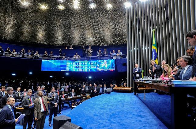BRASIL: Senado aprova texto principal da reforma trabalhista