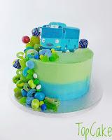 Kreemipintainen Bussikakku, lastenkakku, juhlakakku, täytekakku, topcake, karkkikakku, kreemikakku, kreemipintainen kakku, autokakku, kuvakakku, bus cake,