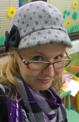 Saippuakuplia olohuoneessa- blogi, Kuva Hanna Poikkilehto, hattu, selfie,