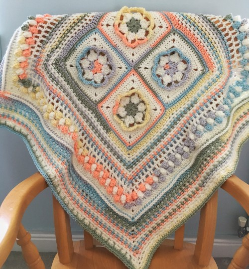 Blooms Square And Blanket - Free Pattern