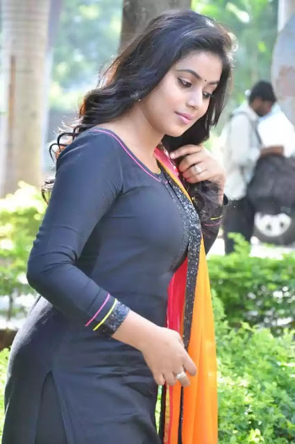 Poorna  Malayalam actress