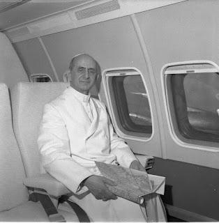 Paul VI in plane