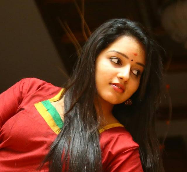 Malavika Menon hot actress pics