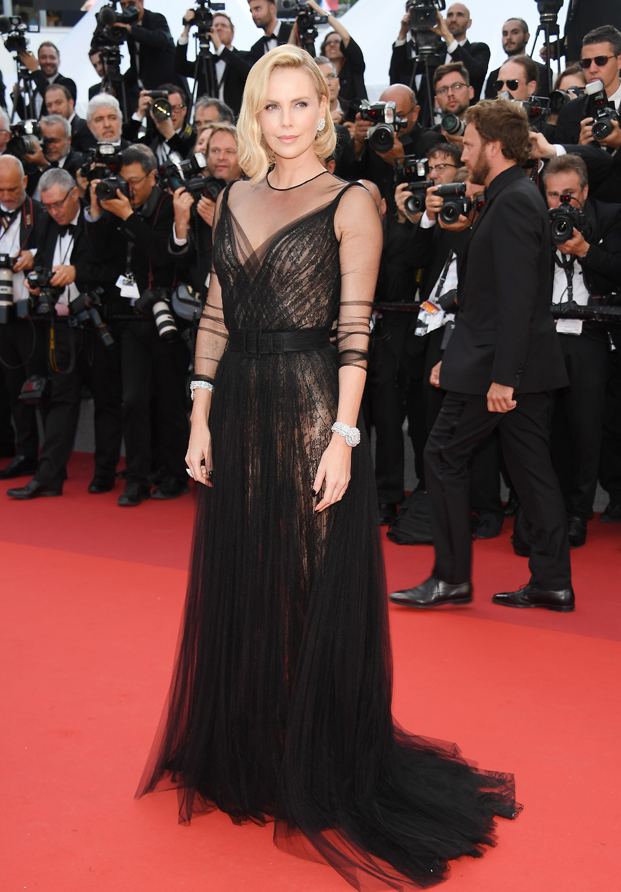Charlize Theron Cannes 2017