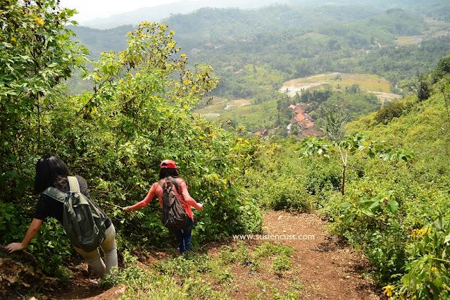 Menjelajahi Gua pawon dari stone garden padalarang. Langsung aja dicek rute dan gimana rempongnya kami ke gua pawon!