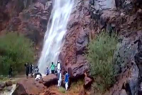 Tanda Kiamat Muncul Di Madinah, Air Terjun Keluar Dari Gunung Uhud