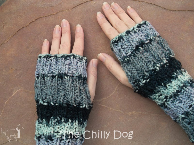 November Giveaway: Handmade knit cowl and wristwarmers