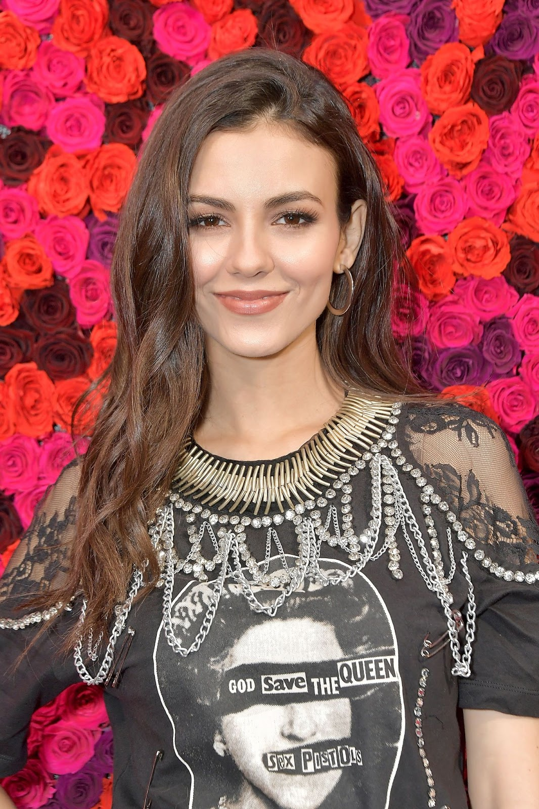 Victoria Justice - Alice + Olivia fashion show during NYFW in NYC - 02/11/2019