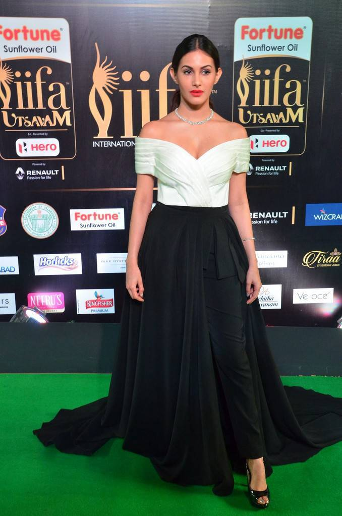 Telugu Actress Amyra Dastur At IIFA Awards 2017 In White Dress