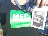 T-shirt MEC cocarde de bénévole Course des lumières