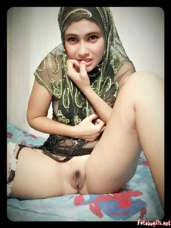 bugil selalu mama muda bugil pakai jilbab