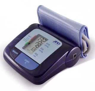 Автоматический измеритель артериального давления в подарочном исполнении AND UA-877 Exclusive