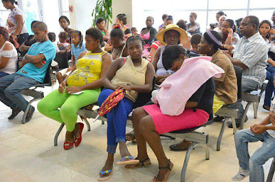 Parturientas haitianas llenan los hospitales de RD