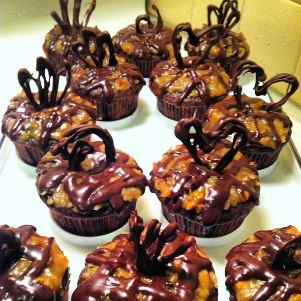 Josie's Cupcakes: Cupcake Cheat: German Chocolate Cupcakes