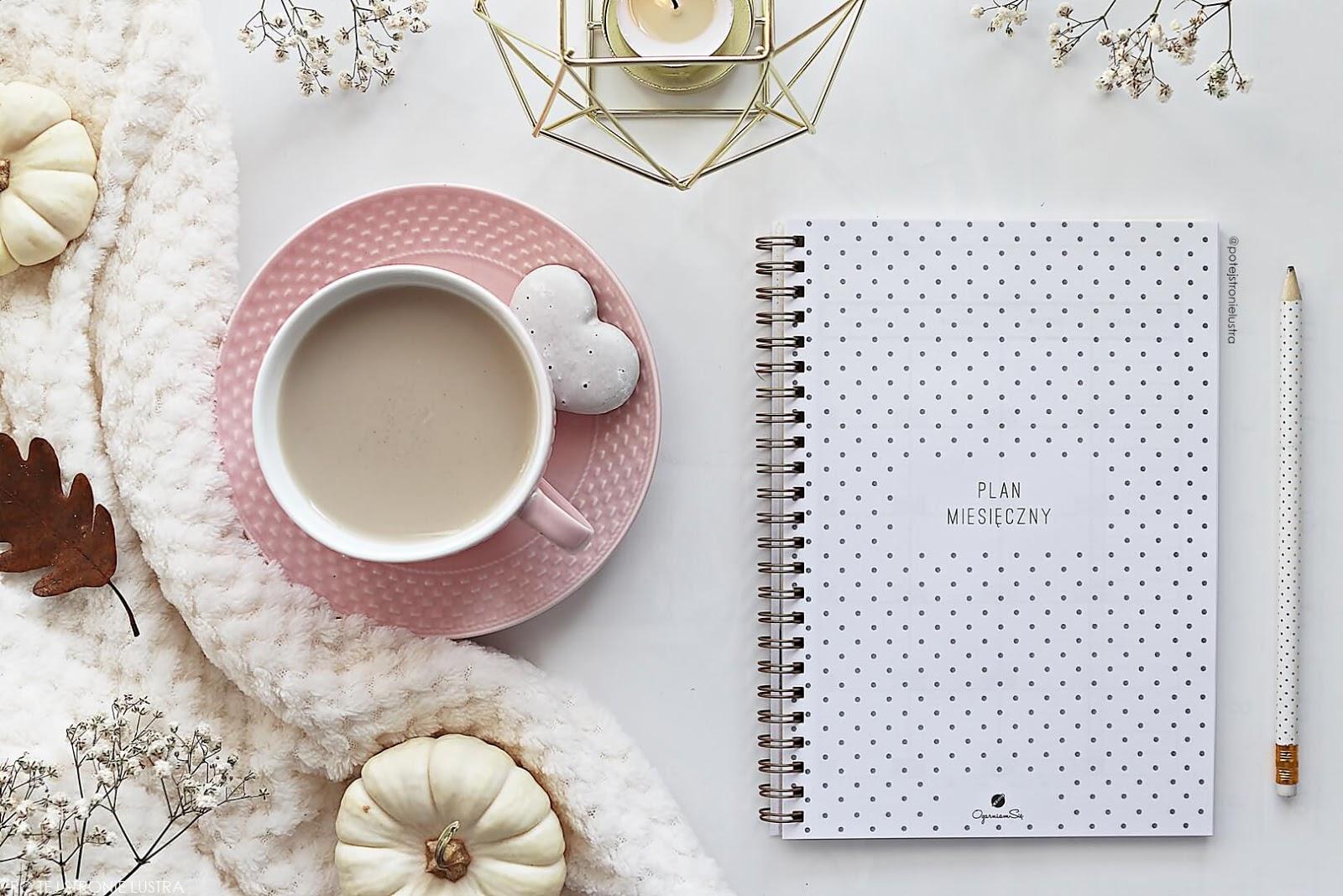 strona tytułowa plan miesięczny planer