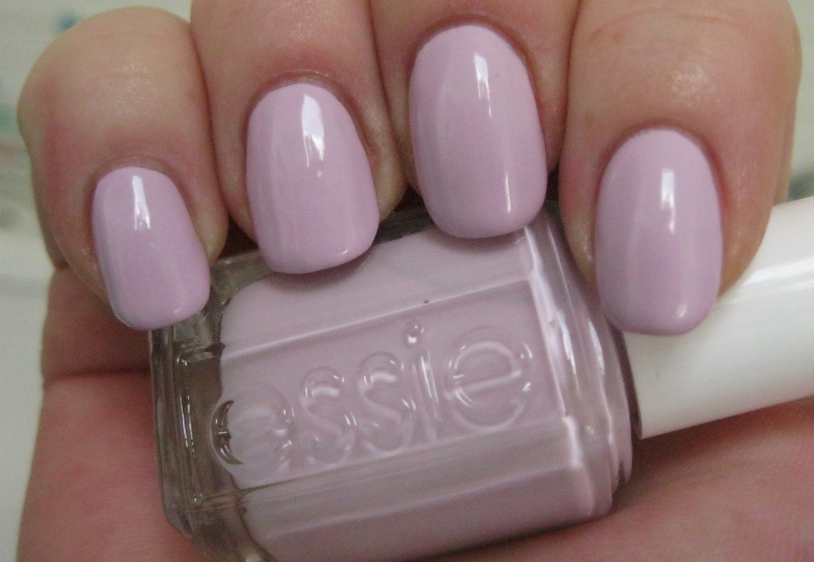Essie Nail Lacquer In Chocolate Cakes