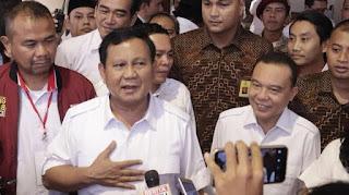 Prabowo bersama Sufmi Dasco Ahmad. - Foto: dok. FB