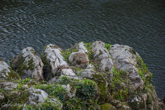 Lapadoiro de piedra en pesqueira