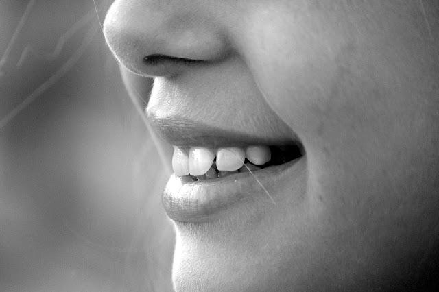 Jak mieć piękny i zdrowy uśmiech?