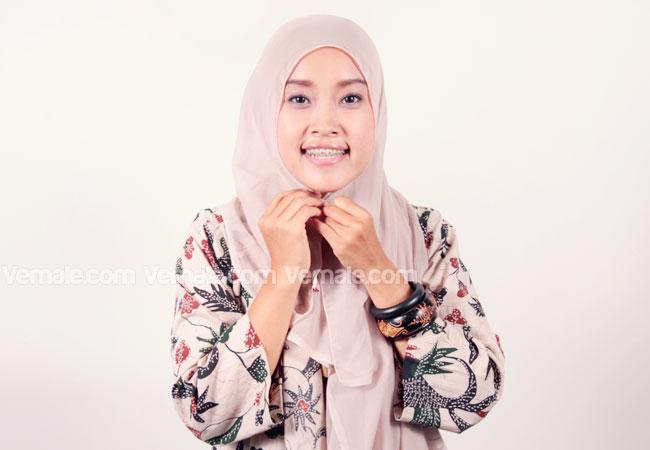 Koleksi Model Hijab Segi Empat Praktis dan Simple Terbaru