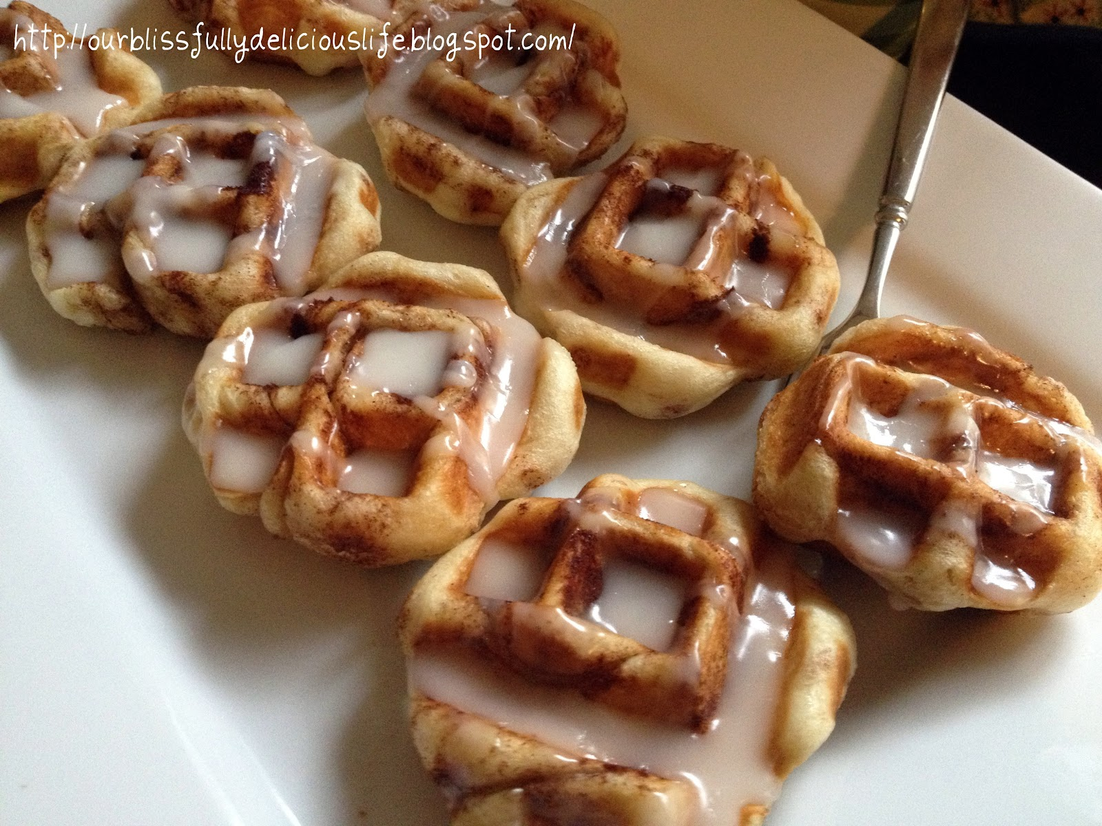 Our Blissfully Delicious Life: Cinnamon Roll Waffles