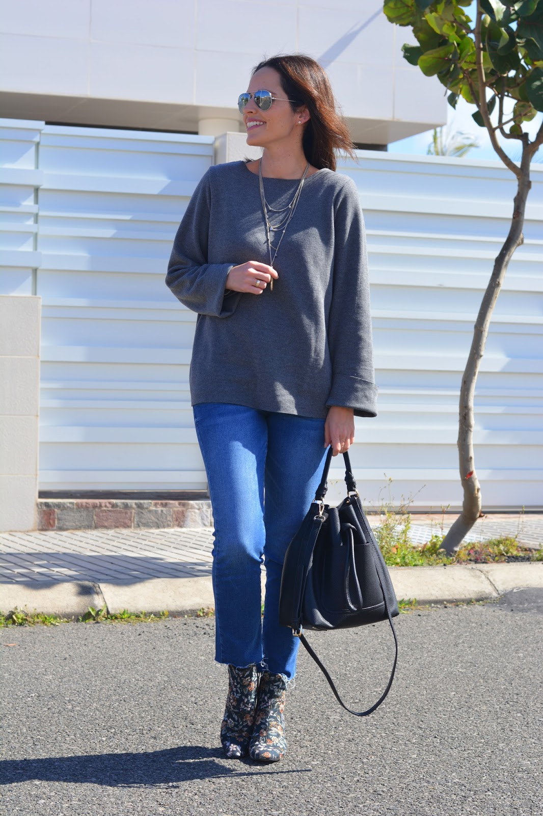 look-jeans-jersey-gris-outfit-zara-mango